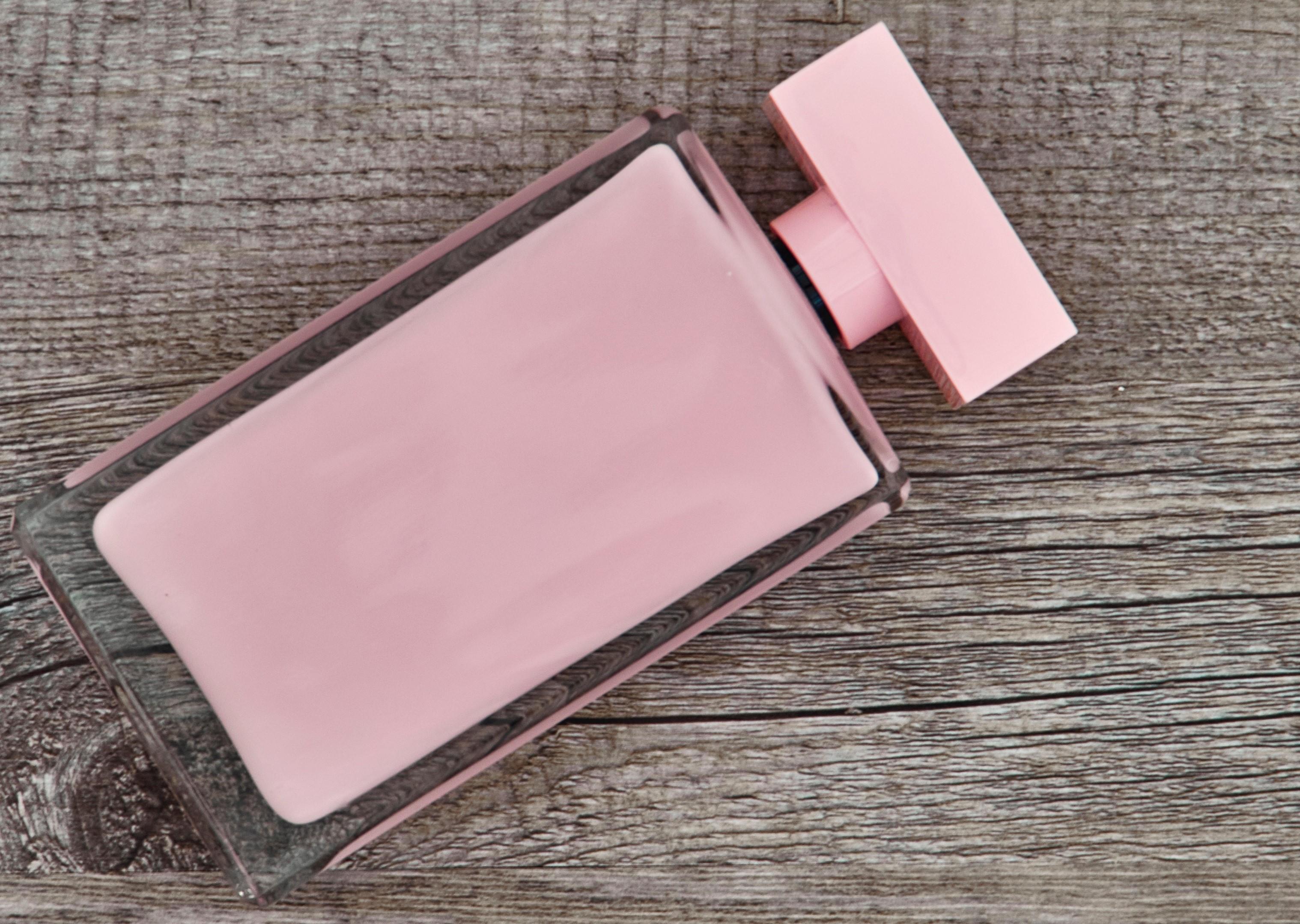Parfymflaska doftöverkänslighet